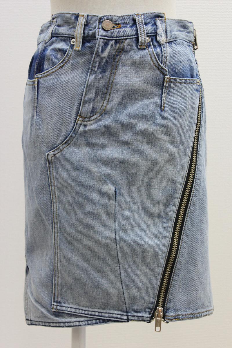 3.1 PHILLIP LIM ウォッシュデニム斜めジップひざ丈スカート