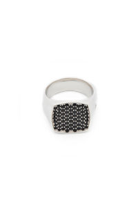 TOM WOOD Pinkie Cushion Black Spinel [17AW]