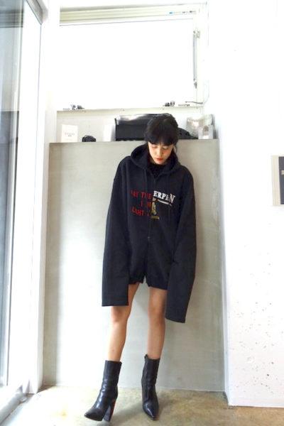 VETEMENTS 【40%OFF】センター切替ジップアップBIGフーディー