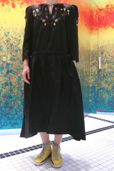 QUEENE and BELLE 【50%OFF】フラワー刺繍7分袖ロングワンピース