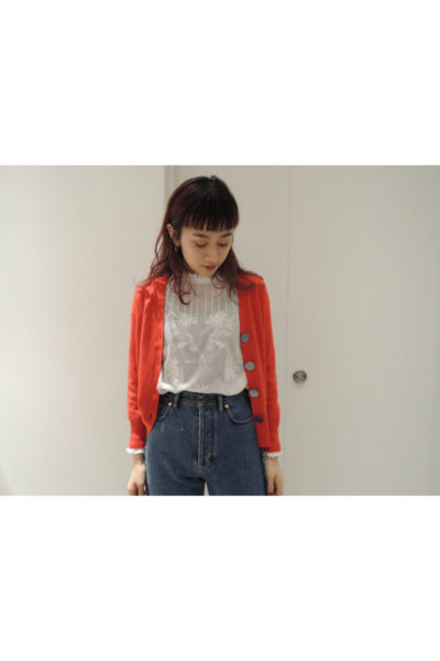 QUEENE and BELLE スタンドフリル刺繍ブラウス【18SS】