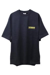 VETEMENTS バックロゴメタルTシャツ [18SS]