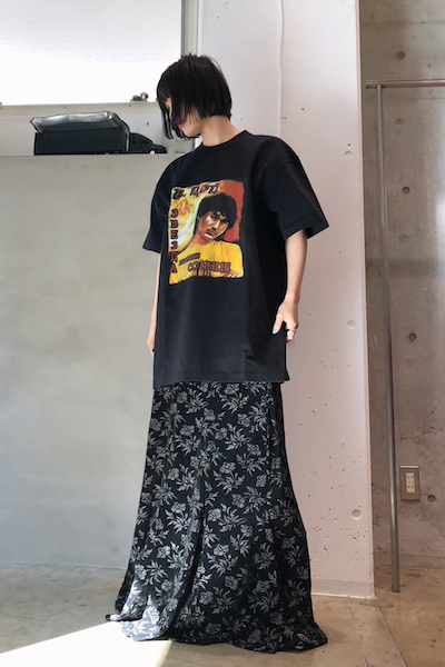 VETEMENTS IDOL Tシャツ【19SS】