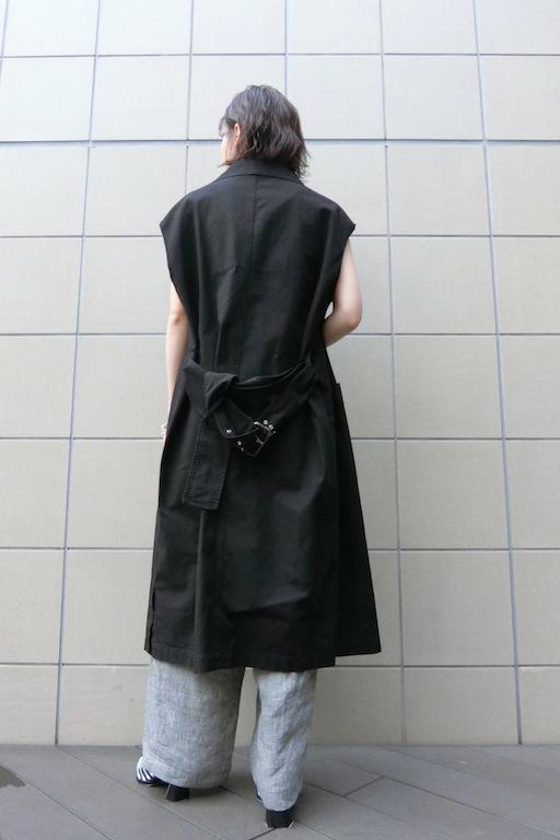 HACHE ボタンレスノースリーブコート【19SS】