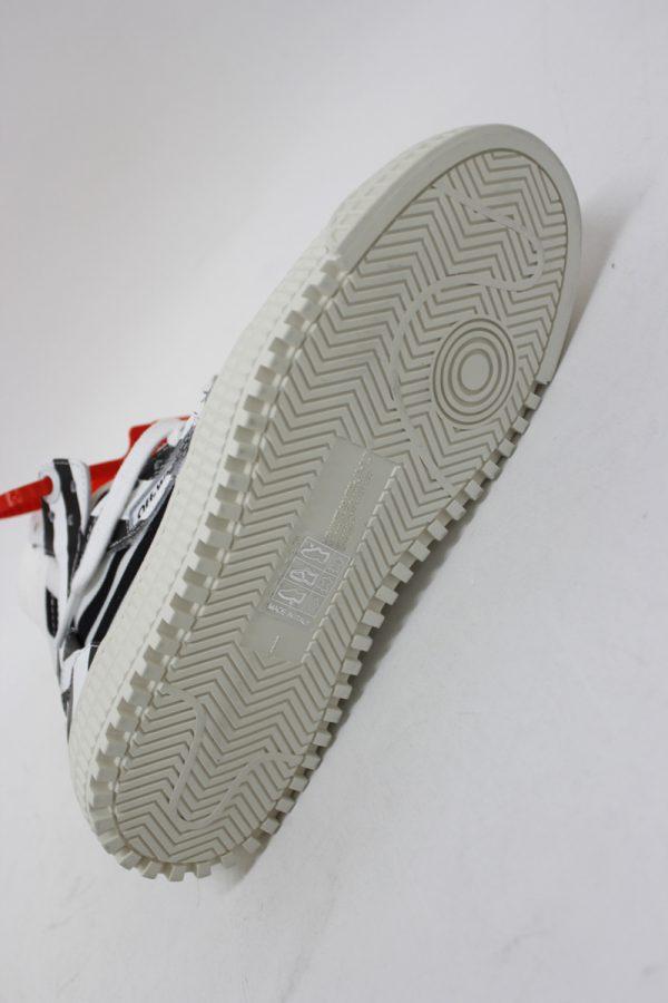 OFF-WHITE 【40%OFF】OFF COURTスニーカー