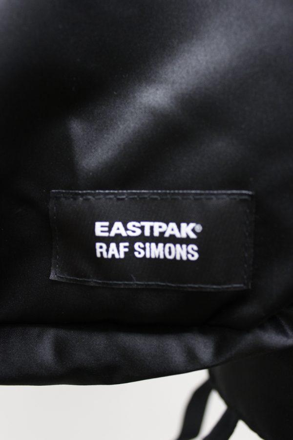 RAF SIMONS EASTPAK×RAFSIMONSパンクポスターサテンバックパック(BLACK×BLUE)[19SS]