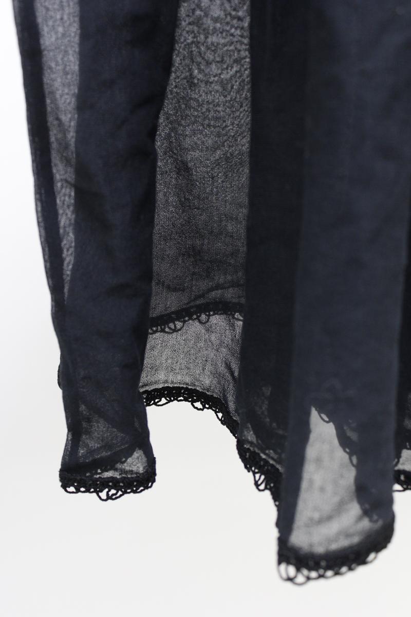 ALANUi .【40%OFF】フラワー刺繍ワイドフレアブラウス