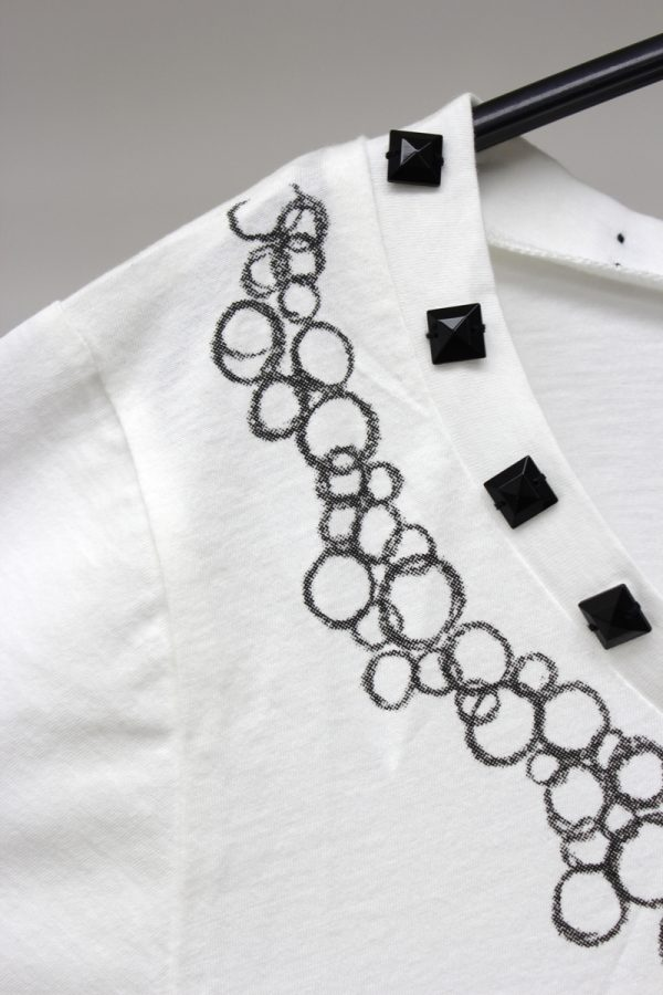 petite robe noire MOGGIE×petiteビジュー付Tシャツ