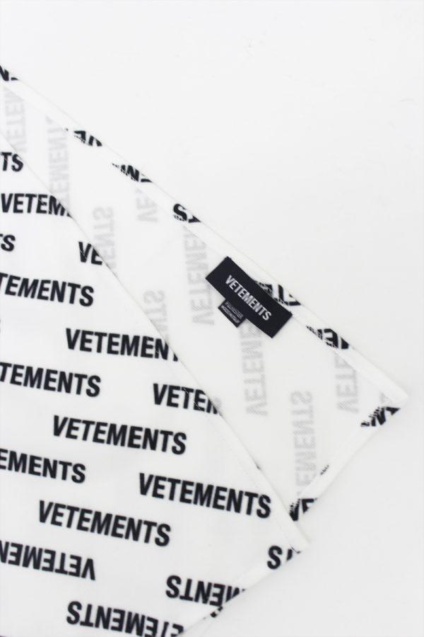 VETEMENTS ロゴフリーススカーフ【19AW】