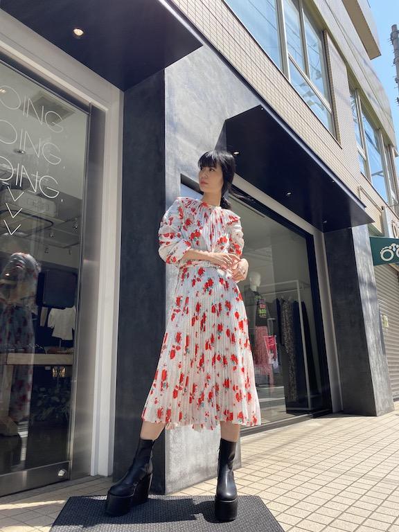 VETEMENTS 【50%OFF】花柄プリーツワンピース 【20SS】
