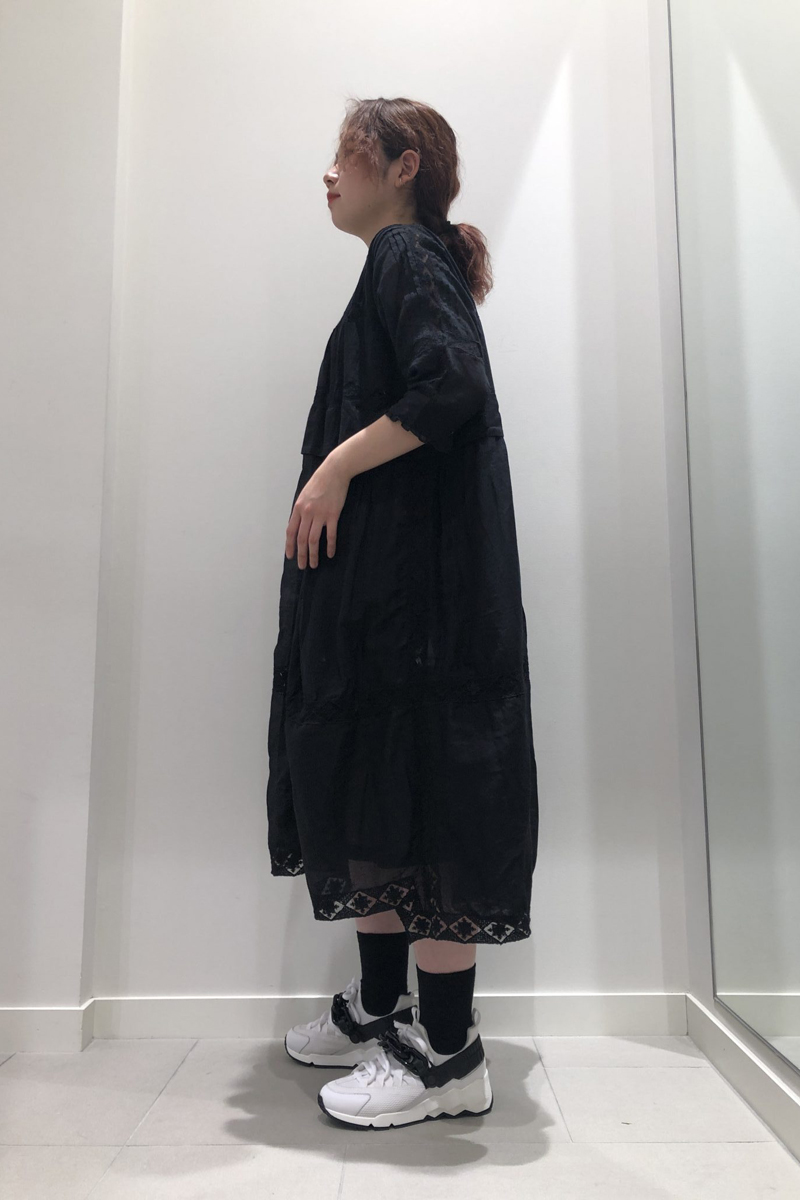 QUEENE and BELLE 【40%OFF】ピンタックレース刺繍ワンピース