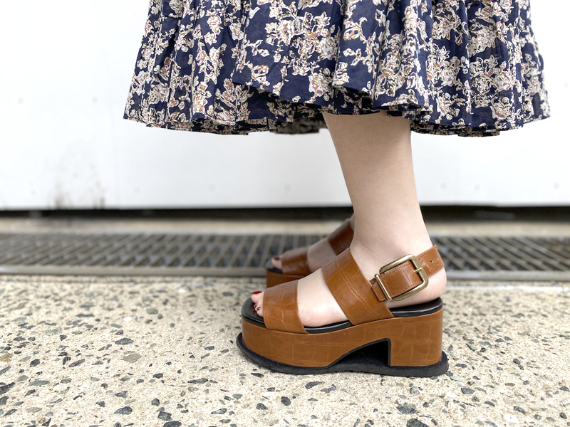 DRIES VAN NOTEN 型押し厚底サンダル【20SS】