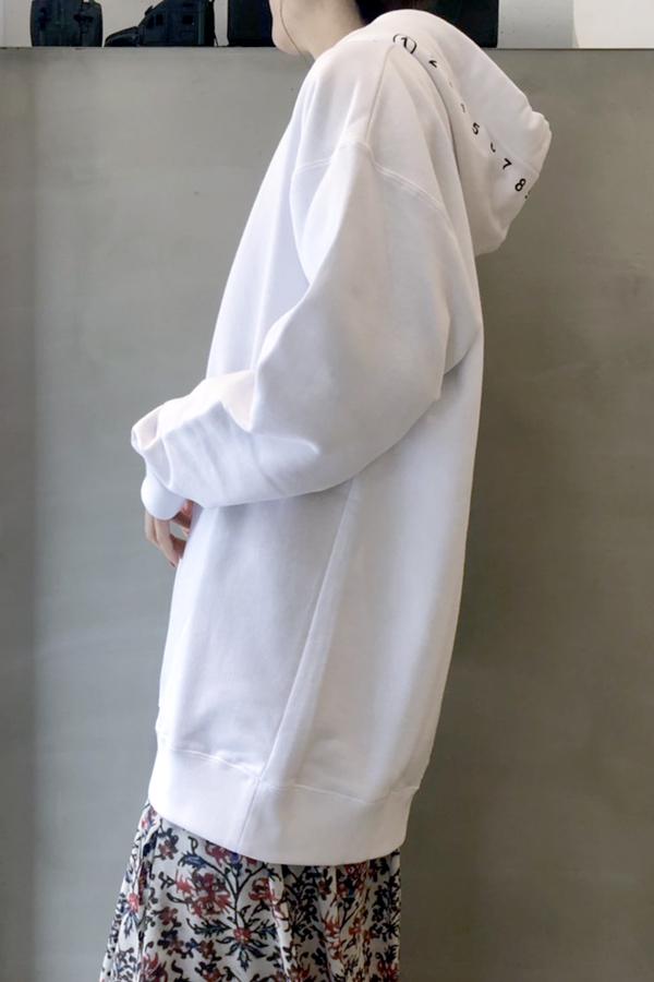 MAISON MARGIELA ロゴプリントフーディ [20SS]