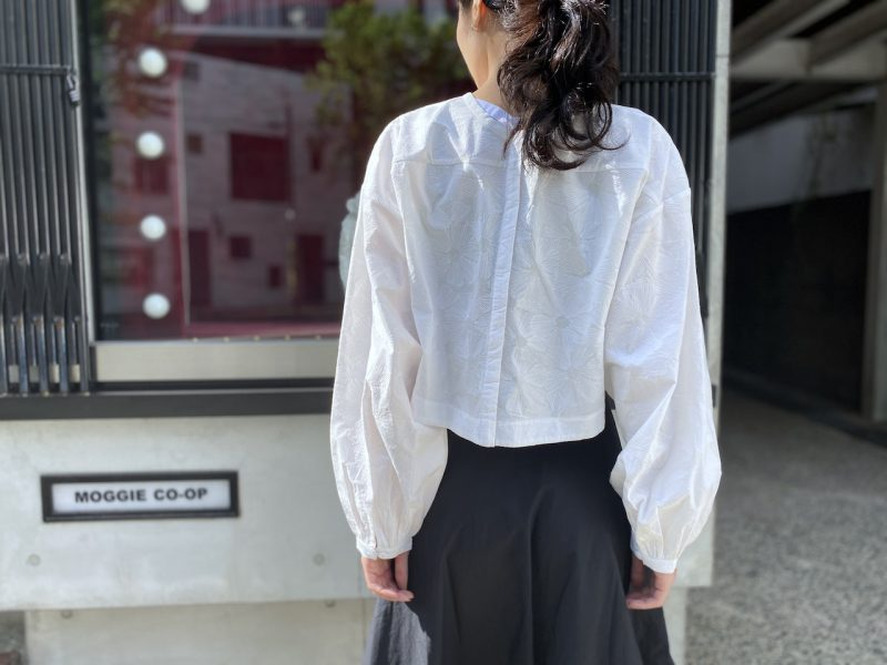 Merlette 【40%OFF】総柄刺繍ワイドブラウス【20SS】