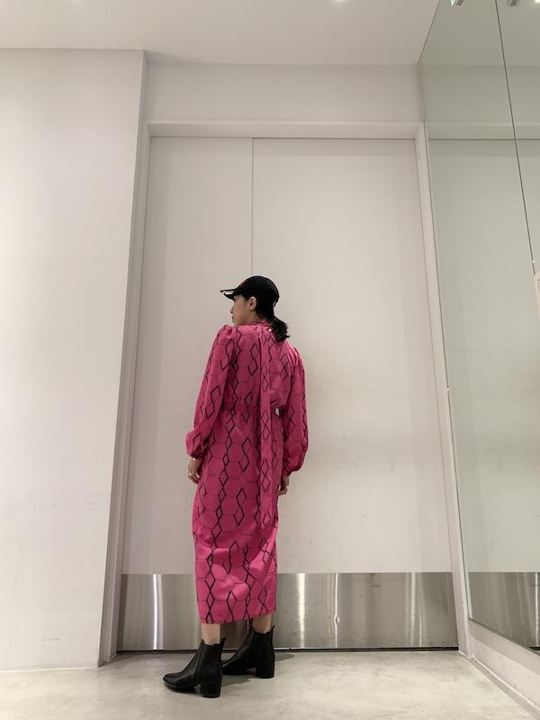 JOHN LAWRENCE SULLIVAN 総柄スカーフ付ワンピース【20AW】