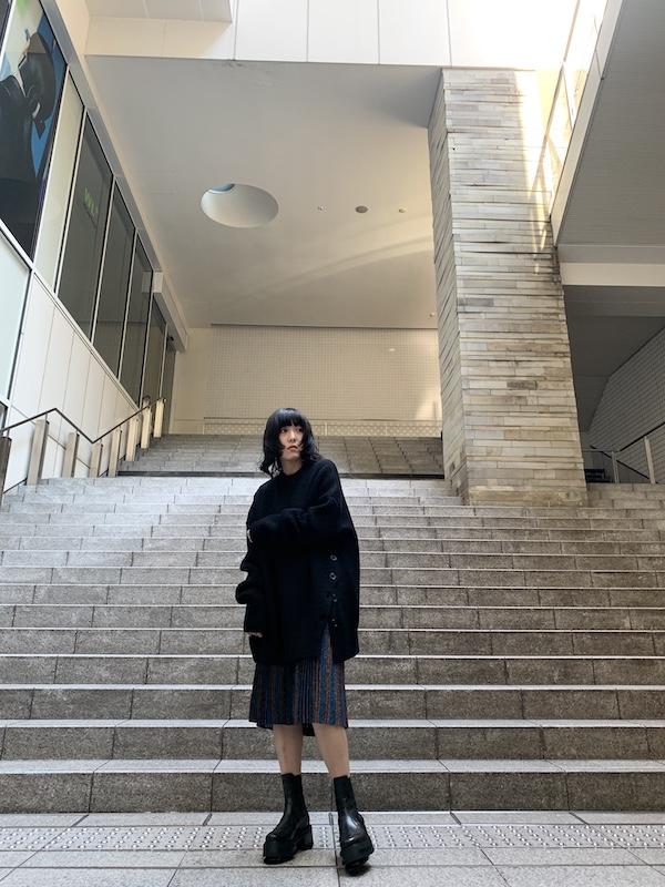 黒ニット黒ボンバーラメスカート♡