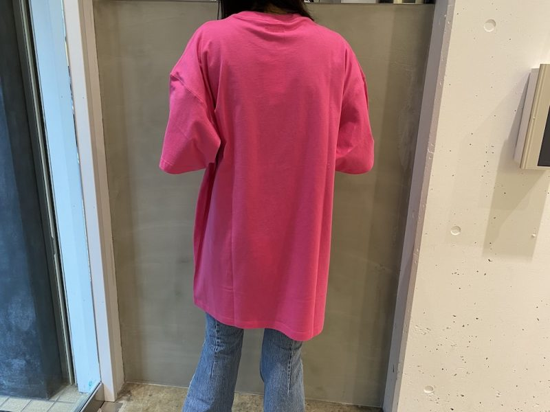 VETEMENTS ビッグロゴLIMITED EDITIONTシャツ【21SS】