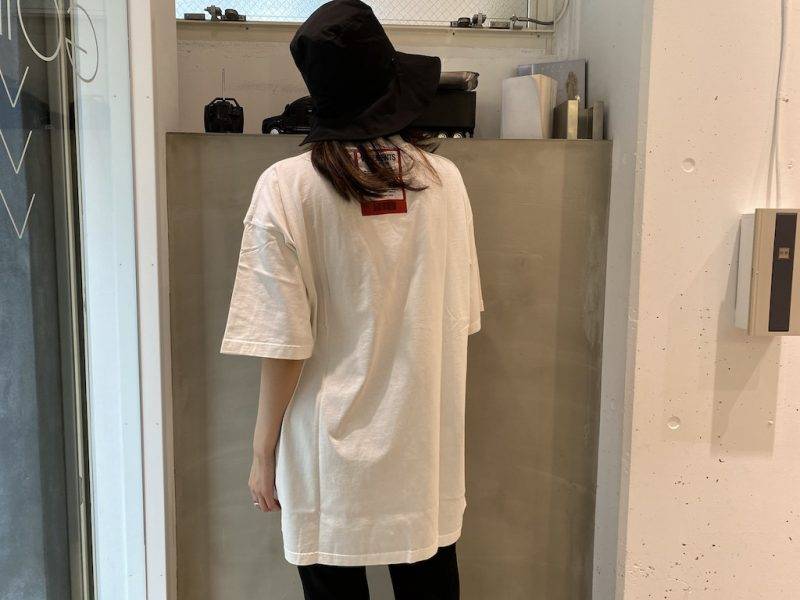 VETEMENTS ロゴパッチTシャツ 【21SS】
