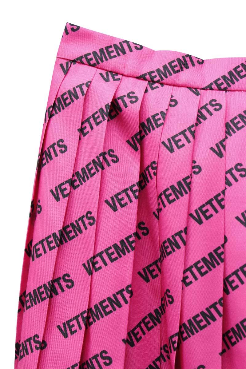 VETEMENTS ロゴプリーツスカート