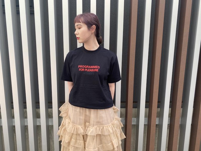 VETEMENTS PLEASURE Tシャツ