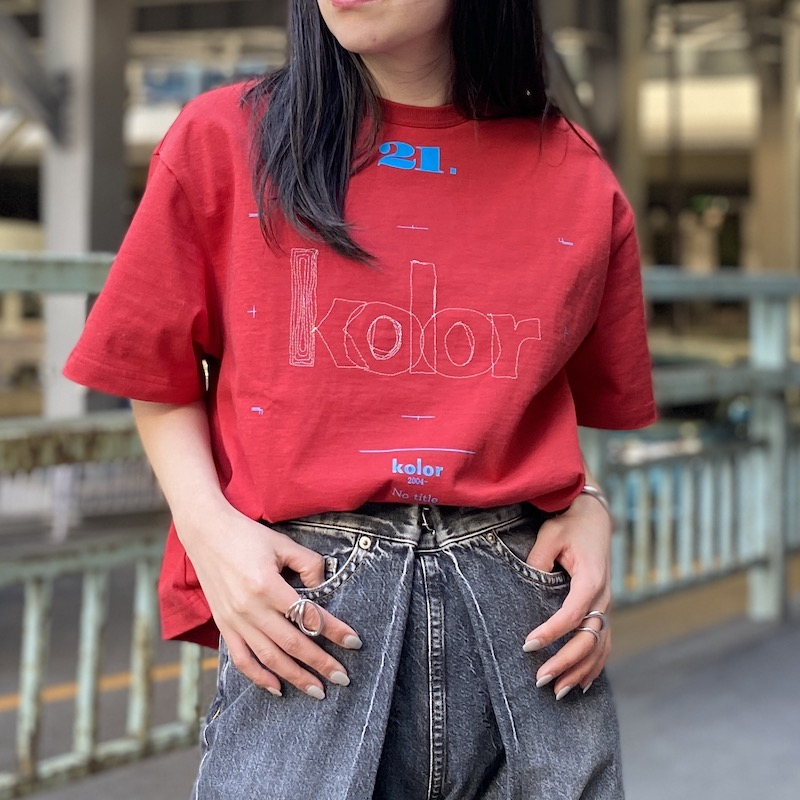 kolor 刺繍ロゴTシャツ